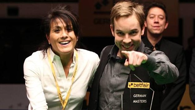 Ali Carter celebrates his German Masters win with his girlfriend