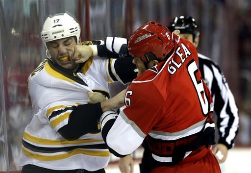 Bruins upend Hurricanes 5-3