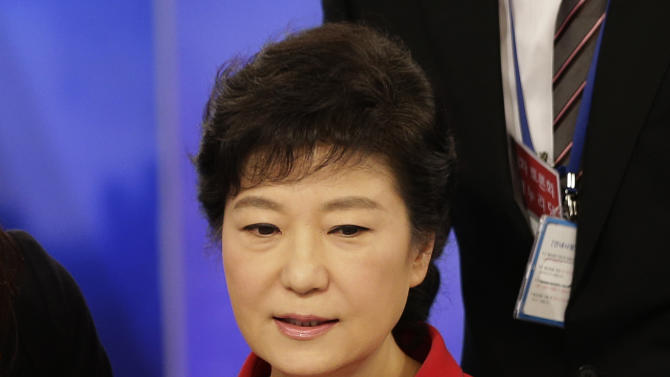 South Korea's presidential candidates Park Geun-hye of ruling Saenuri Party waits for a final televised debate for the 18th presidential election in Seoul, South Korea, Sunday, Dec. 16, 2012. South Korea's presidential election is scheduled for Dec. 19. (AP Photo/Lee Jin-man, Pool)