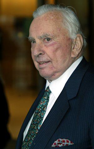 FILE - In this May 5, 2003 file photo, author Gore Vidal arrives for the Film Society of Lincoln Center&#39;s gala event in New York. Vidal died Tuesday, July 31, 2012, at his home in Los Angeles. He was 86. (AP Photo/Stuart Ramson, File)