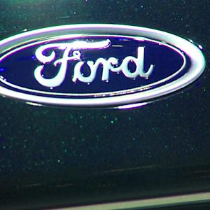 Ford Beats, GM Stalls, Eli Lilly Reports & Jim Cramer's Bank Pick
