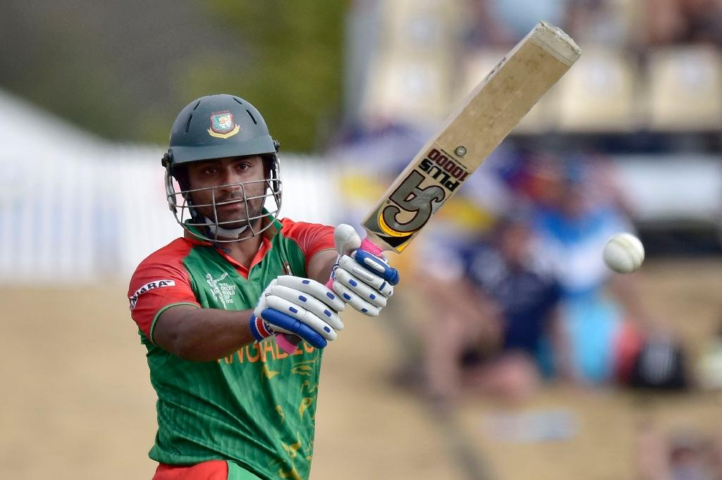 Bangladesh edge closer to W.Cup last-8 with six-wicket win over Scots