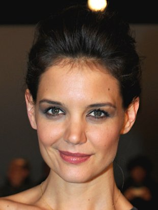 Katie Holmes to debut own fashion label