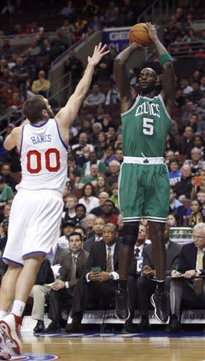 Pierce helps Celtics top slumping 76ers 109-101