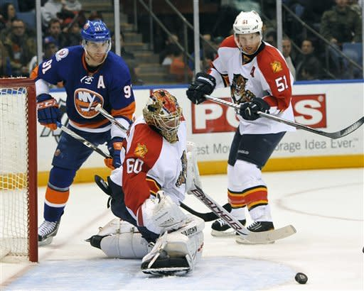 Panthers surge past Isles 4-1