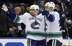 D. Sedin's OT goal lifts Canucks over Blues 3-2