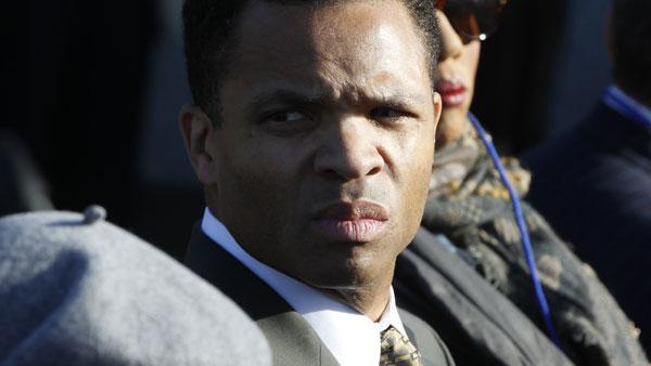 Jesse Jackson Jr. signs plea deal in federal probe, sources say