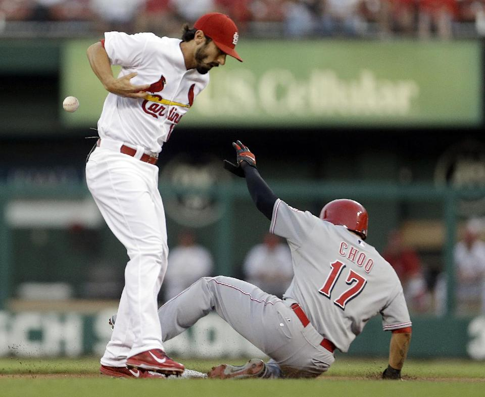 Kelly, Holliday lead Cards to 6-1 win over Reds