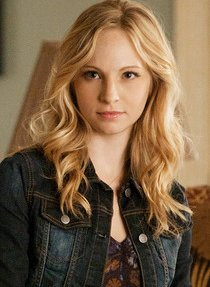 Photo of Candice Accola