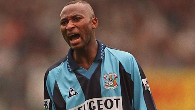 Peter Ndlovu playing for Coventry in 1997
