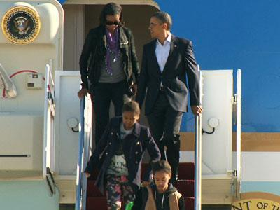 Raw: Obama Returns From Hawaii