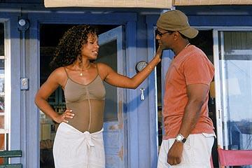 Sanaa Lathan and Denzel Washington in MGM's Out Of Time