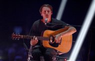 Singer Ben Howard performs during the BRIT Awards, celebrating British pop music, at the O2 Arena in London February 20, 2013. REUTERS/Dylan Martinez