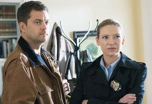 Joshua Jackson and Anna Torv | Photo Credits: Liane Hentscher/FOX