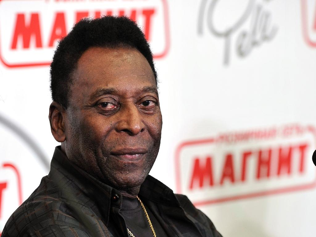 Pele expected to join Cosmos for Cuba trip