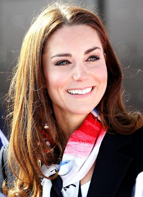Kate Middleton Shops for Outlet Clothes, Groceries!