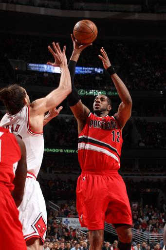 Blazers complete season sweep of Bulls, 99-89