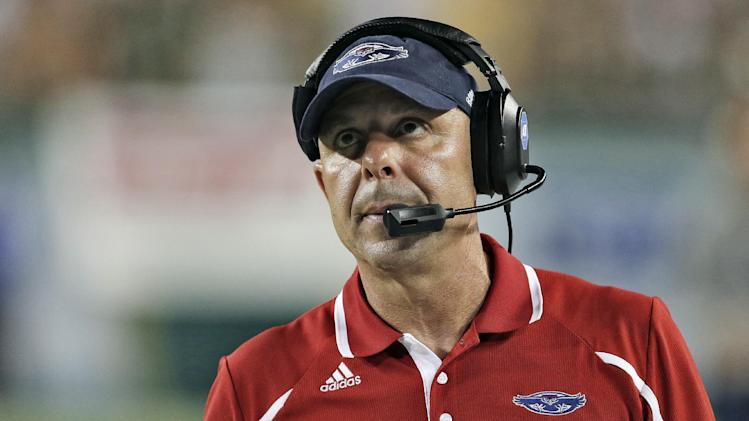 Pelini wants FAU job back