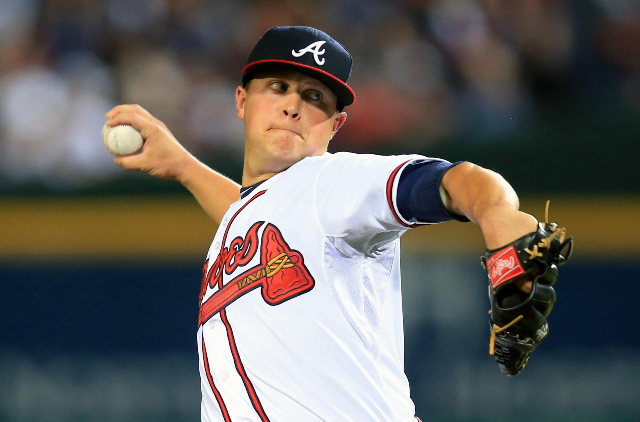 Kris Medlen gets two-year deal from Royals after Tommy John surgery