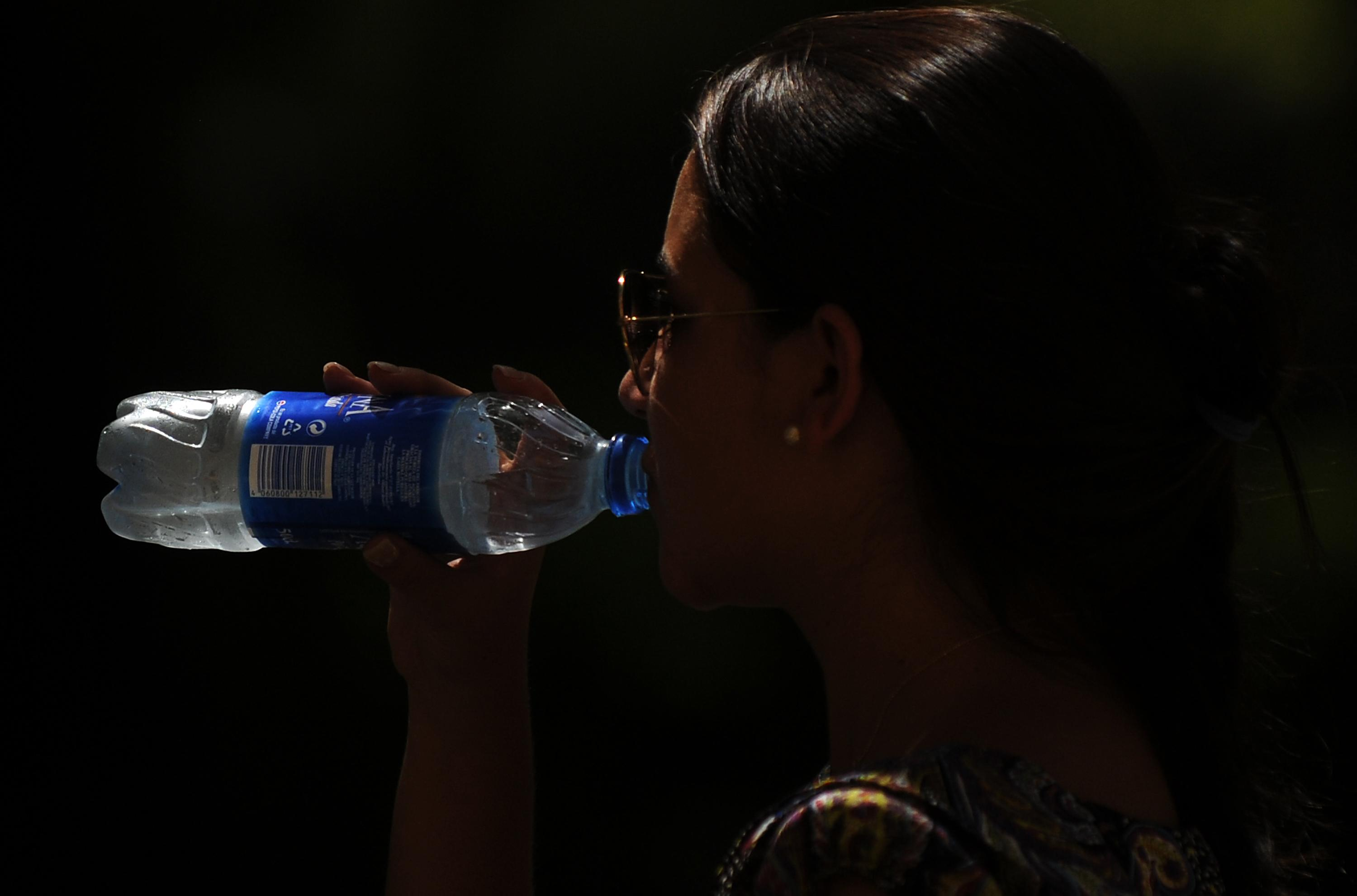 Plastic chemicals linked to earlier menopause