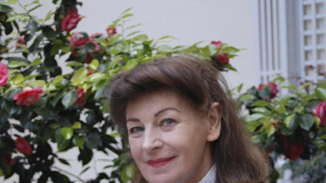 """This undated photo issued by M&CSaatchi, shows best-selling Irish novelist Josephine Hart, the wife of Lord Saatchi. who died from ovarian cancer in 2011. Lord Maurice Saatchi describes his wife's cancer treatment as """"medieval"""", and is proposing a parliamentary bill to legalize the ability of doctors to use experimental therapies even if there is no proof they work.  Saatchi acknowledges his bill, aimed at encouraging new therapies and speeding up access to new drugs, is driven by grief at his wife's death, and that it may not make it into law, but he has wide support from numerous members of parliament and he remains hopeful about giving new opportunities to doctors and their patients. (AP Photo/Monique Henry, M&CSaatchi)"""