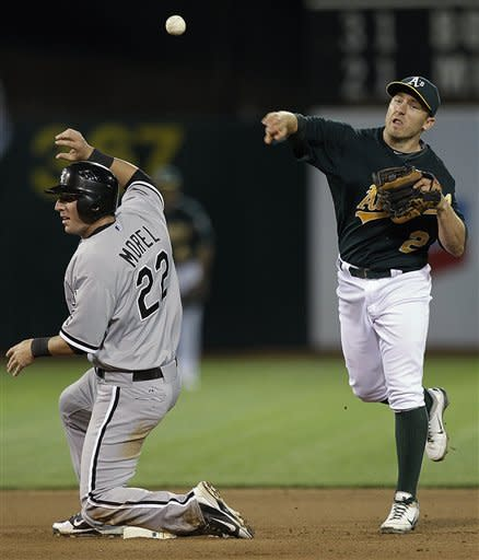 Peavy's 3-hitter leads White Sox past A's 4-0