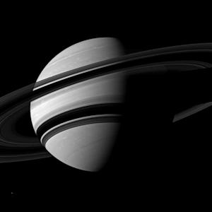Saturn's Glorious Rings Dazzle in NASA Photo