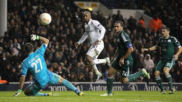 Jermain Defoe, centre, capped off Tottenham's victory with a deft chipped goal late on