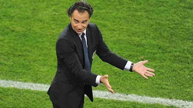 Cesare Prandelli, pictured, has apologised for his comments about Mario Balotelli