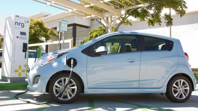 In Just One Year, Electric Cars Have Gotten Cleaner: How'd They Do That?