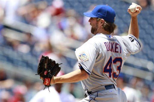 Dickey's knuckler, Duda's HR lead Mets over Nats