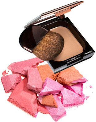 Givenchy Le Prisme Blush Glow in Lune Rosée and Shiseido Bronzer.