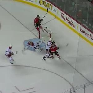 Lee Stempniak scores SHG on the odd-man break