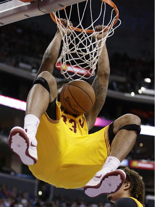 Cleveland Cavaliers's Alonzo Gee dunks during the second half of an NBA basketball gameagainst the Los Angeles Clippers on Sunday, March 16, 2014, in Los Angeles. The Clippers won 102-80