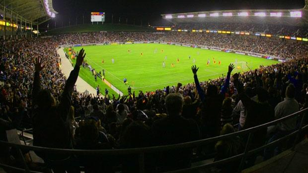 Culture clash? Or mutual respect between co-tenants LA Galaxy, Chivas USA?