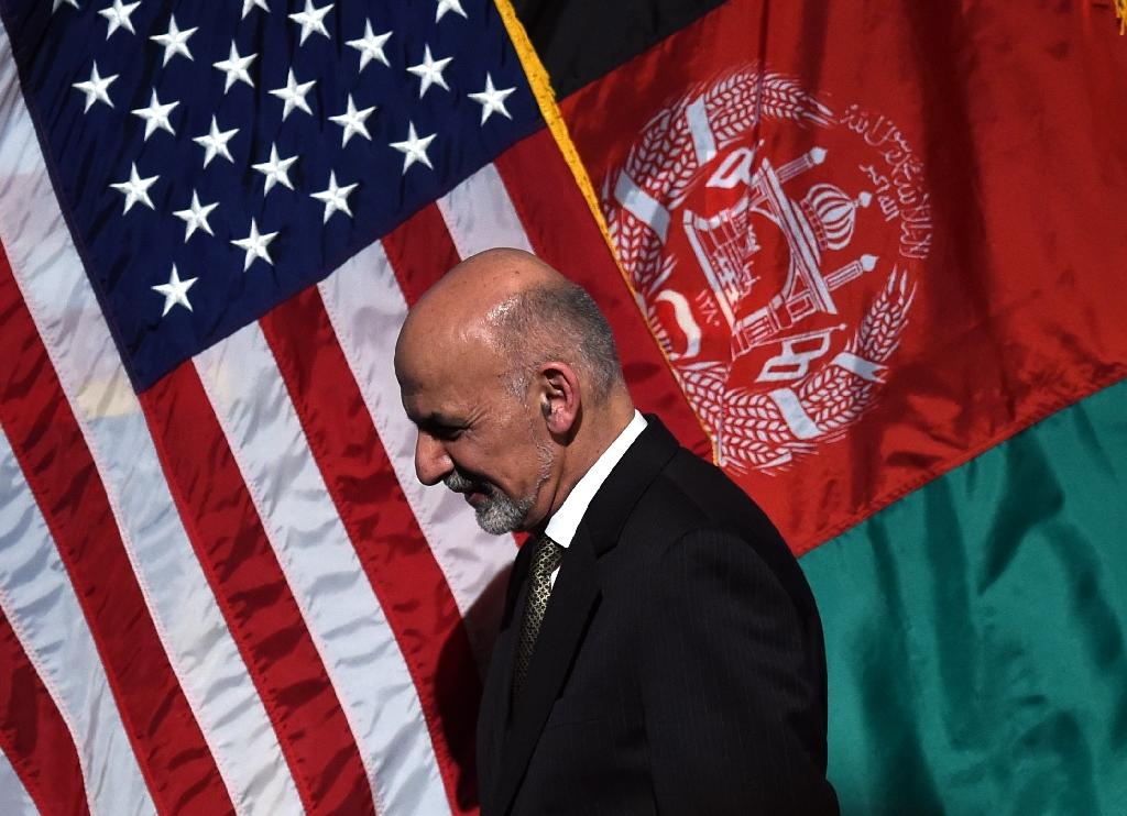 Afghanistan's Ghani walks tightrope over US, Pakistan ties
