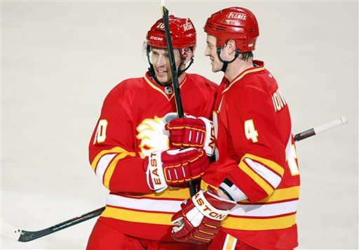Aliu gets first 2 NHL goals, Flames top Ducks 5-2