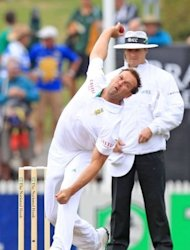 South Africa's Jacques Kallis bowls during a Test match against New Zealand in Hamilton in March. South Africa edged England 2-1 in 2008, the last time the two teams met in England, but England have been unbeaten at home since then, rising to number one in the world rankings