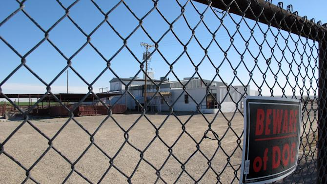 FILE - This April 15, 2013 file photo shows Valley Meat Co., which has been sitting idle for more than a year, waiting for the Department of Agriculture to approve its plans to slaughter horses. Federal officials have granted the southeastern New Mexico company's request to open a horse slaughterhouse, adding Friday June 28,2013 that they plan to grant similar permits to operations in Iowa and Missouri. (AP Photo/Jeri Clausing, File)