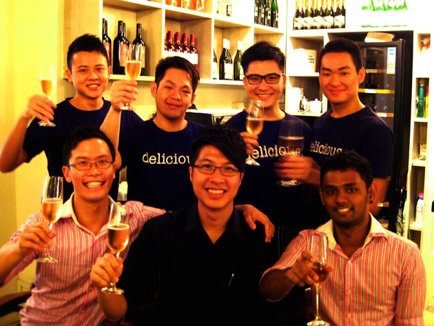 The service team behind BROTH – Bar Restaurant On The Hill is rewarded with a generous 'tip' of S$2,394. (Photo courtesy of Can You Serve Season 2)