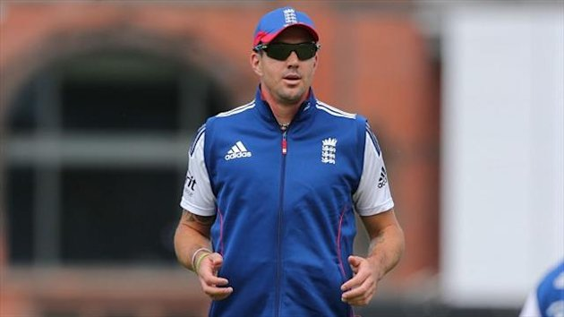 Kevin Pietersen had to wait for his chance at the top of the order as Australia were put in to bat