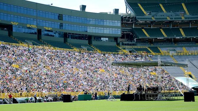 Green Bay Packers NFL football team fans and shareholders attend the annual shareholders meeting at Lambeau Field in Green Bay, Wis., Wednesday, July 24, 2013. (AP Photo/The Green Bay Press-Gazette, H. Marc Larson) NO SALES