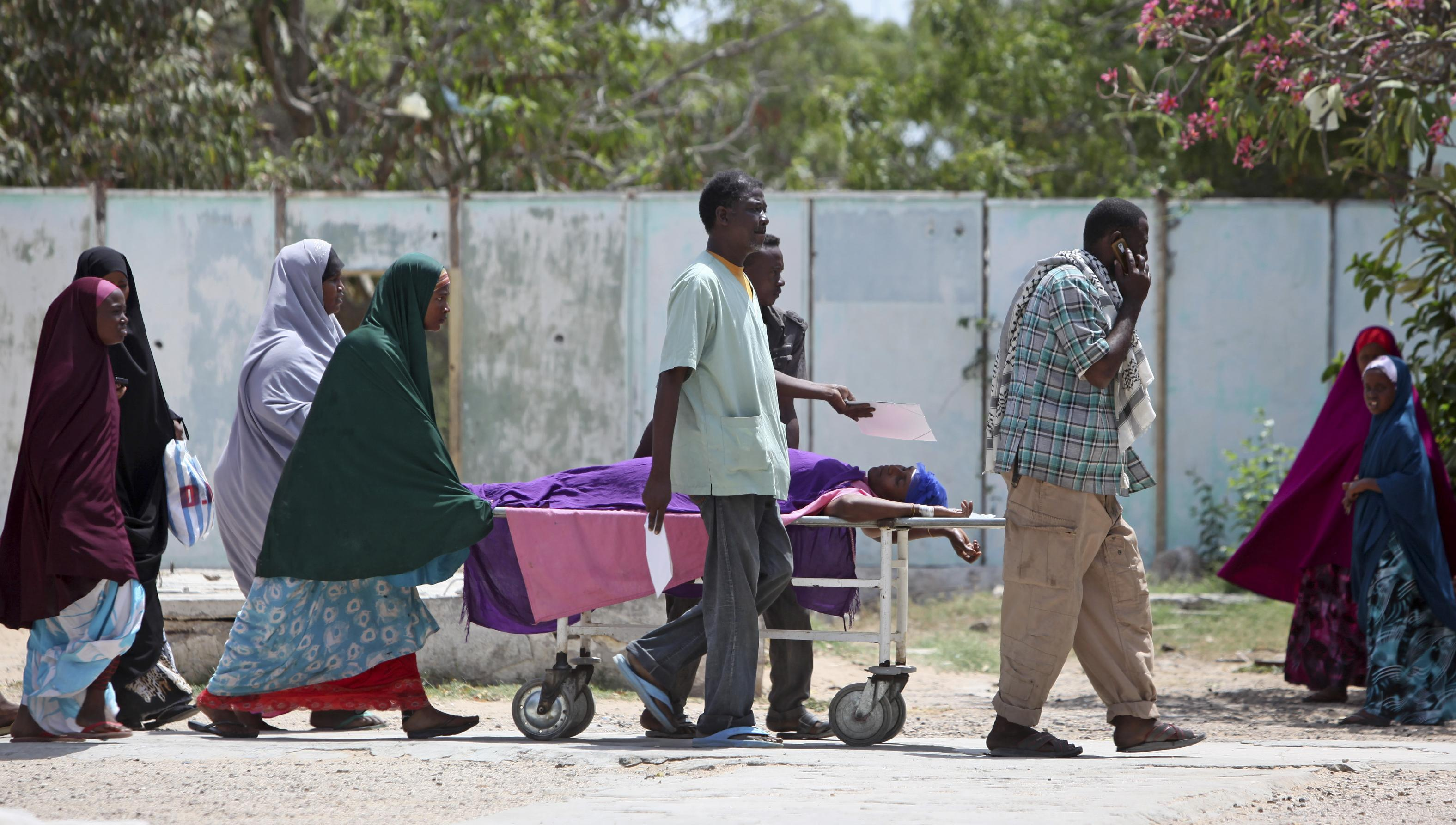 Mortar shells land by Somalia's presidential palace