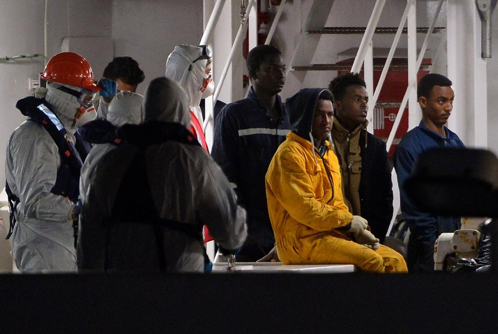 Skipper of sunken migrant boat held after 800 died in tragedy