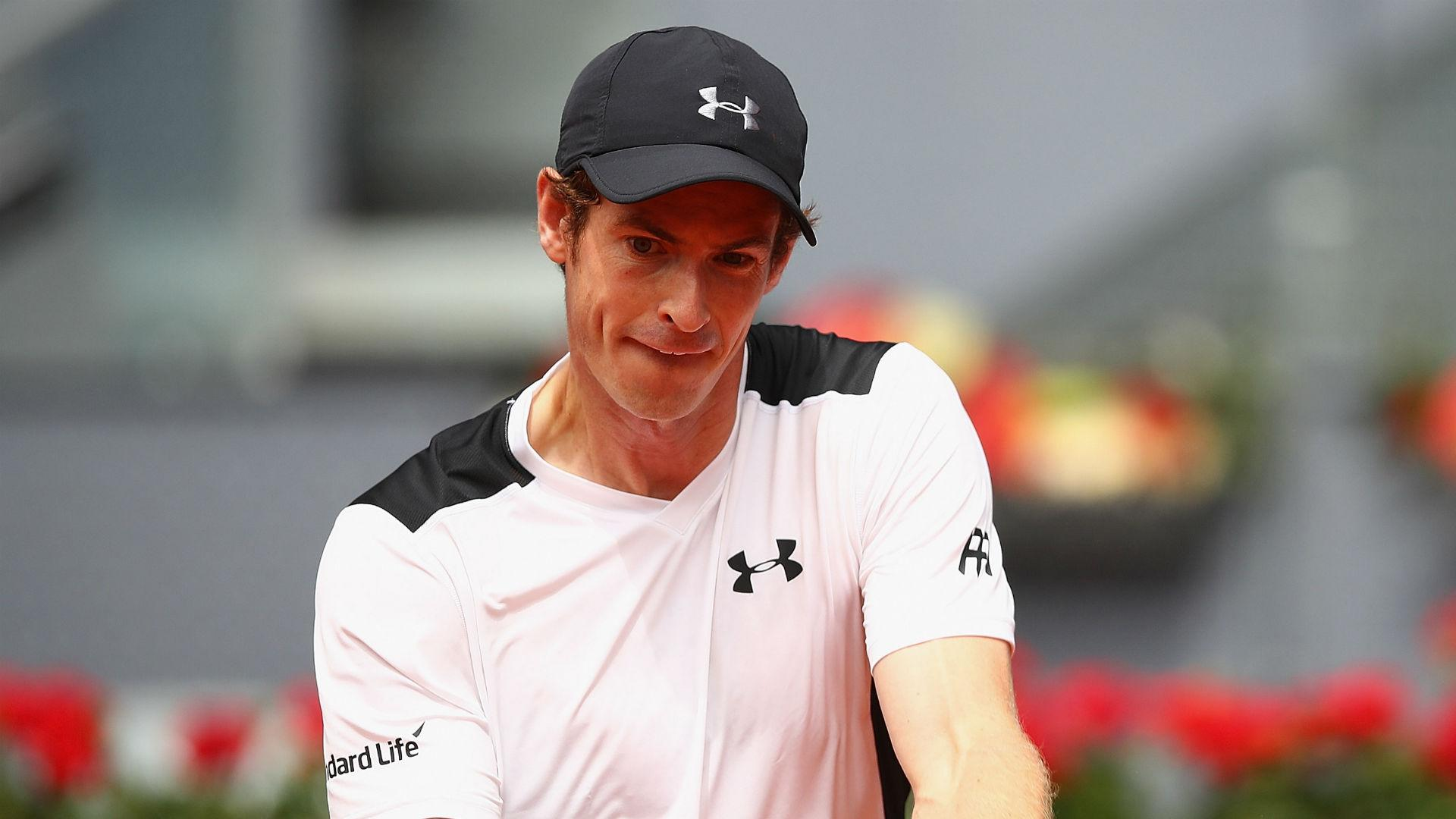 Murray steps up Madrid campaign with Simon win