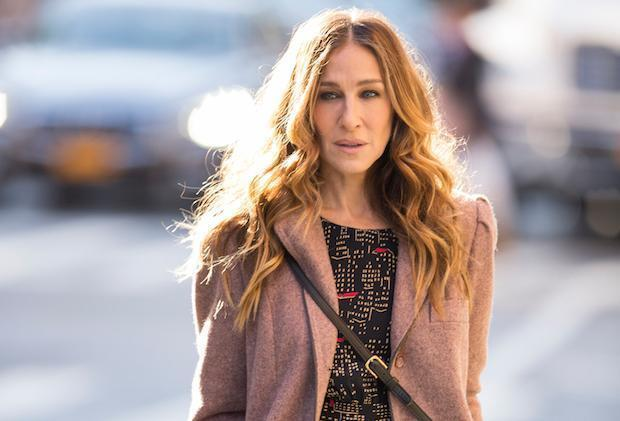 'Divorce First Look: Sarah Jessica Parker Is Newly Single in the City' from the web at 'http://l.yimg.com/bt/api/res/1.2/eCy8f1ASo9DmopadoiXWLg--/YXBwaWQ9eW5ld3M7Zmk9ZmlsbDt3aWR0aD0zMDA7aGVpZ2h0PTE1NjtxPTc1O3B5b2ZmPTMw/https://s.yimg.com/cd/resizer/2.0/FIT_TO_WIDTH-w620/fe7dc925099f1181c86e2803b56af07e8bcec81c.jpg.cf.jpg'