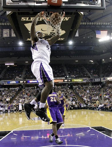 Kings upset listless Lakers, 113-97