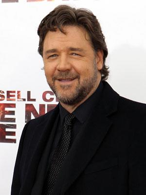 Russell Crowe Woos Crowd Opening Night at Taormina Film Fest