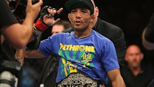Featherweight Champ Jose Aldo May Have Suffered Broken Foot in UFC 163 Title Fight