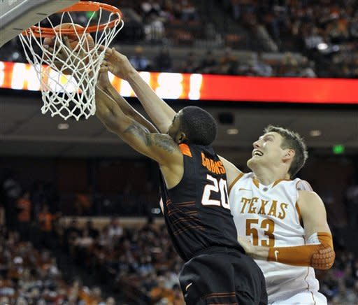 Kabongo leads Texas over Oklahoma State 58-49